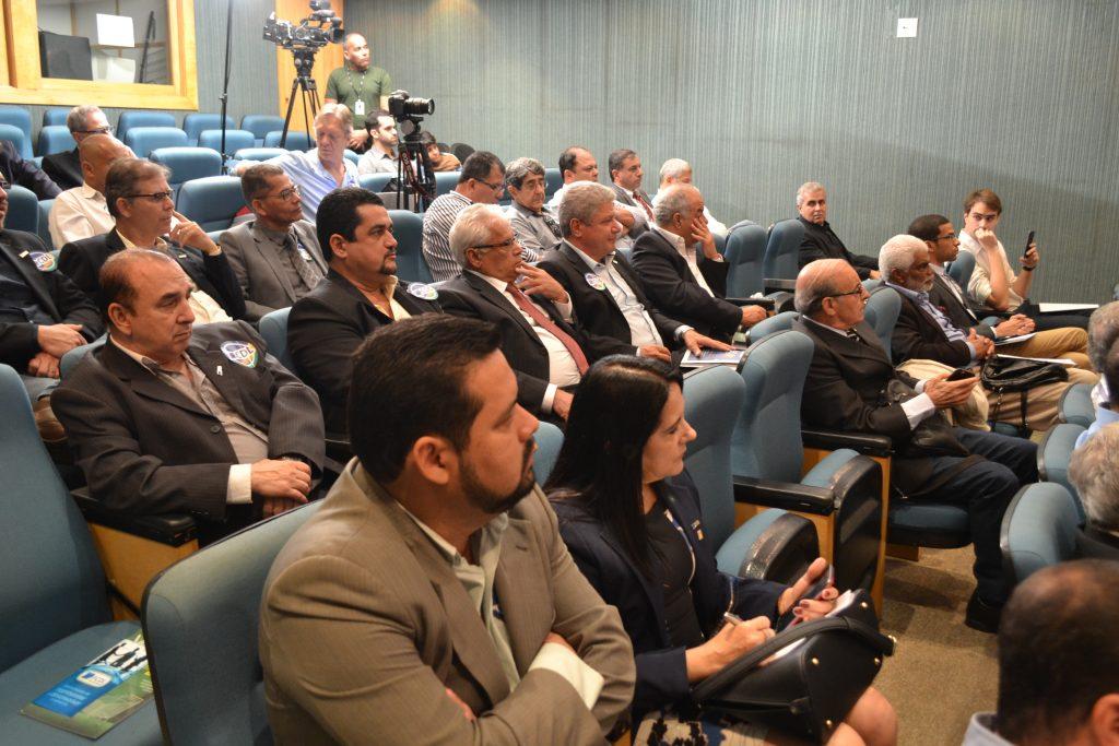 CDL Angra participa de audiência na Alerj para debater demandas do varejo