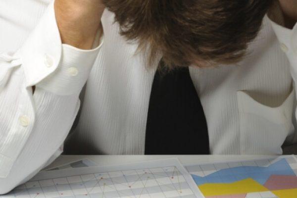 69% dos inadimplentes sofrem de ansiedade por não conseguir pagar dívidas, aponta pesquisa do SPC Brasil e CNDL
