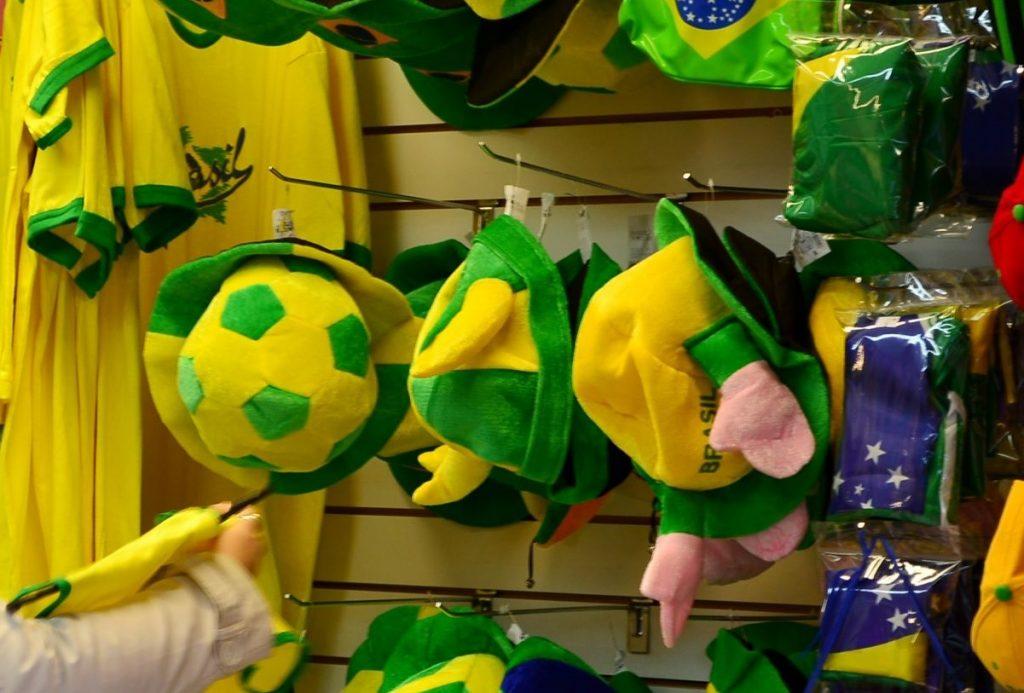 Copa do Mundo deve impulsionar vendas do comércio e serviços, apontam SPC Brasil e CNDL