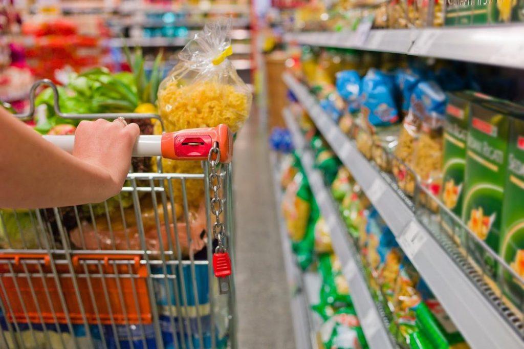 Confiança do Consumidor avançou 12% em 2018, apontam CNDL/SPC Brasil